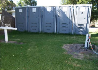 fruit-picking--seasonal-amenaties--portable-toilets-portable-showers--rent-a-bathroom